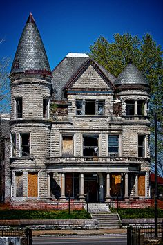 Ouerbacker Mansion in Louisville, KY