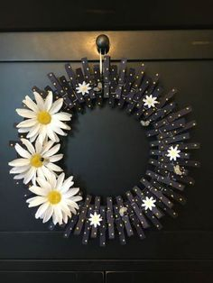 Clothes Pin Crafts Ideas How To Make Super Ideas Source b. - Clothes Pin Crafts Ideas How To Make Super Ideas Source by - Crafts To Make, Home Crafts, Arts And Crafts, Diy Crafts, Nature Crafts, Wreath Crafts, Diy Wreath, Wreath Making, Door Wreaths