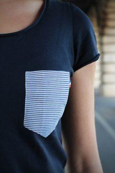 T-shirt Poche Marinière pour femme by French Appeal, fabriqué à Paris.