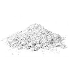 L'argilla bianca, anche detta caolino, di Le Erbe di Janas ha proprietà antisettiche, assorbenti e purificanti. A differenza dell'argilla verde è più delicata sulla pelle e può essere utilizzata anche in presenza di pelle sensibile e facile all'arrossamento.  E' l'ideale per realizzare maschere viso e corpo oppure per creare degli impacchi nutrienti per i capelli.