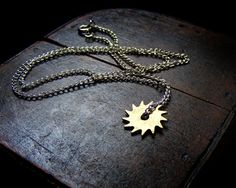 Steampunk gear necklace made of annoying alarmclock #jewelry #steampunk #etsy
