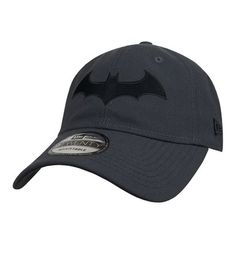 The Batman Hush Symbol 9Twenty Adjustable Hat is a fantastic hat inspired by the famous story arc involving Thomas Elliot. Don't worry there's no medical tape!