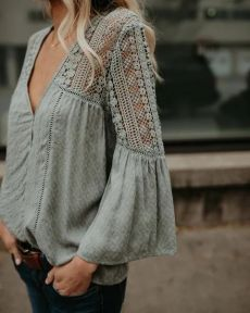 PREORDER – Du Jour Crochet Blouse – Sage The crochet details and v-neck cut take this top from just so-so to excellent. I would wear this a ton! Fashion News, Boho Fashion, Autumn Fashion, Fashion Dresses, Womens Fashion, 80s Fashion, Hijab Fashion, Blouse Styles, Blouse Designs