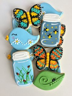 Discover recipes, home ideas, style inspiration and other ideas to try. Butterfly Cookies, Bird Cookies, Fancy Cookies, Flower Cookies, Cute Cookies, Cupcake Cookies, Cookie Icing, Royal Icing Cookies, Mason Jar Cookies