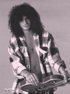 Beautiful man, Saul Hudson. Aka: SLASH