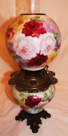 Antique Hand Painted Gone with the Wind Oil Lamp with Roses: Removed Antique Oil Lamps, Antique Lighting, Vintage Lamps, Vintage Glassware, Victorian Home Decor, Victorian Lamps, Rose Gold Lamp, Hurricane Oil Lamps, Globe Lamps
