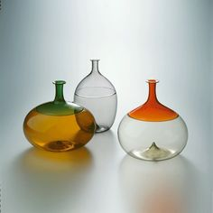 "Tapio Wirkkala - Glass vases ""Bolle"" for Venini (Italy). Ketchup Bottles, Lassi, Glass Ceramic, Viria, Ceramic Artists, Glass Design, Scandinavian Design, Glass Bottles, Interior Styling"