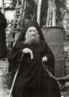 Παναγία Ιεροσολυμίτισσα : Γέροντας Εφραίμ Αριζόνας: Αναμνήσεις από τον Γέροντά μου Ιωσήφ τον Ησυχαστή!