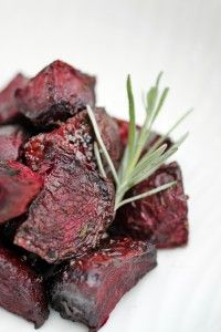 Roasted Rosemary Beets - The Food Lovers Kitchen 3 chopped beets rolled in 2 T. evoo, 2 T chopped fresh rosemary, salt and pepper to taste. Bake at 375 for 35 min. Should be crispy outside soft inside Paleo Side Dishes, Side Dish Recipes, Veggie Recipes, Food Dishes, Real Food Recipes, Vegetarian Recipes, Cooking Recipes, Healthy Recipes, Primal Recipes