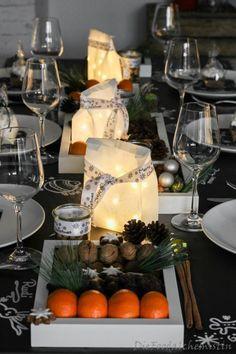 Last Minute Xmas Table ! Mal eben ne schnelle Tischdeko zaubern … Herausforderung pur … und das an Weihnachten … Panik, Geschrei, Haare raufen, nen Schnaps zur Beruhigung … …