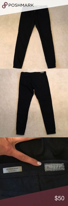 AG Adriano Goldschmied Black Farrah Skinny 32 Limited addition size 32 AG Farrah skinny in the 360 Contor fabric. By far, one of AG's best fabric creations. I recently lost a significant amount of weight and therefore I am purging my closet of all of my designer items that no longer fit. My literal loss is your gain! Keep an eye out on all of my other designer listings. PayPal only. Thanks so much and have a great day! Ag Adriano Goldschmied Jeans Skinny
