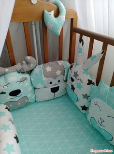 Бортик игрушка (зверюшка) стоит 450 руб., обычная подушечка - 210 руб. Изготовление на заказ.