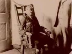 Albert Fish being executed. This man was a sick  demented serial killer . Children were his prey. He also was a Cannibal. EVIL INCARNAT!!!!