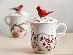 Hand Painted Tea Cup  Love Birds Red Cardinal par yevgenia sur Etsy, $75,00