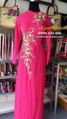 nhận thêu ruy băng số lượng lớn , thêu ruy băng trên trang phục, thêu ruy… Blouse Styles, Blouse Designs, Hand Embroidery Videos, Kurti Patterns, Gown Pattern, Embroidered Jacket, Silk Ribbon Embroidery, Ribbon Work, Ao Dai
