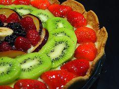 τάρτα φρούτων με κρέμα Fruit Salad, Food, Youtube, Fruit Salads, Essen, Meals, Yemek, Youtubers, Eten
