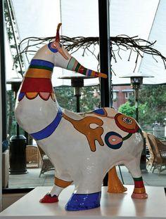 Niki De Saint Phalle - Bête Gentille (l'Unicorn) Jean Tinguely, Modern Sculpture, Sculpture Art, French Sculptor, Art And Craft Design, Art Brut, Pink Elephant, Expo, Pulp Art