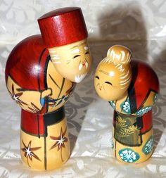 Kokeshi Dollsmy daughter presented me a pair so similar to these. I just love them!!