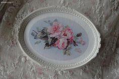 Roses et cadre ancien Brocante de charme atelier cosy.fr