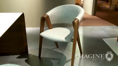 Guide Michelin, Fabricant, Spin, Restaurants, Armchair, Dining Chairs, Furniture, Home Decor, Dining Room Furniture