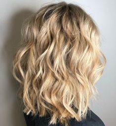 60 Most Magnetizing Hairstyles for Thick Wavy Hair Medium Choppy Cut For Wavy Hair Frizzy Wavy Hair, Blonde Wavy Hair, Wavy Curls, Thick Hair, Afro Hair, Natural Wavy Hair Cuts, Wavy Hair With Layers, Naturally Wavy Hair, Loose Curls Medium Length Hair