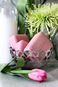 ♥ I love my rose scented bath soap. French Milled Soap, French Soap, Parfum Rose, Deco Rose, Savon Soap, Vibeke Design, Decorative Soaps, Soap Shop, Vintage Bowls