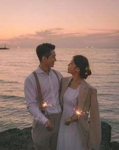 Pre Wedding Shoot Ideas, Pre Wedding Poses, Pre Wedding Photoshoot, Wedding Couples, Wedding Pictures, Korean Wedding Photography, Dream Wedding, Photoshoot, Simple Wedding Updo