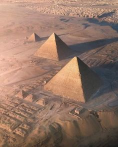 Egypt Art, Cairo Egypt, Architecture Antique, Egypt Museum, Egypt Culture, Great Pyramid Of Giza, Pyramids Of Giza, Ancient Egypt Pyramids, Egypt Travel