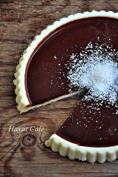 çikolata soslu irmik tatlısı Cake Recipes, Dessert Recipes, Desserts, Tart, Panna Cotta, Food And Drink, Pudding, Chocolate, Ethnic Recipes