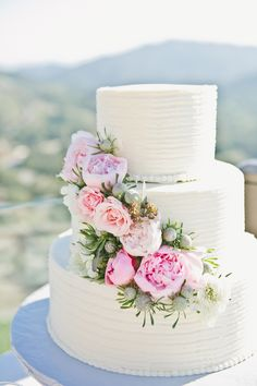 Photography : onelove photography | Cake : Hansens Cakes | Floral Design : Stephanie Grace #wedding #mybigday