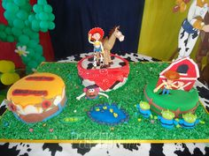 Cool Toy Story cakes