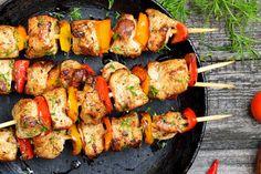 Steak Kabobs, Chicken Kabobs, Skewers, Grilled Watermelon, Watermelon Salad, Fried Potato Chips, Recipe Tin, Little Potatoes, Italian Salad