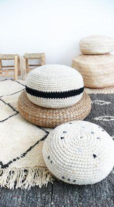 Crocheted pouf//