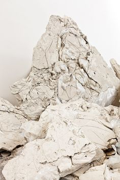 white rock texture as abstract Foto 3d, Connie Springer, Parcs, Shades Of White, White Aesthetic, Chalk Art, Monuments, Textures Patterns, Land Scape
