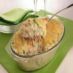 Ingredientes: 4 xícaras (chá) de sobras de arroz branco cozido 2 latas de creme de leite 1 xícara (chá) de sobras de carne assada desfiada 1 xícara (chá) de cenoura em cubos 1 lata de ervilha escorrida 1/2 xícara (chá) de requeijão cremoso 1/2 xícara (chá) de queijo mussarela ralado 1/2 xícara (chá) de queijo…