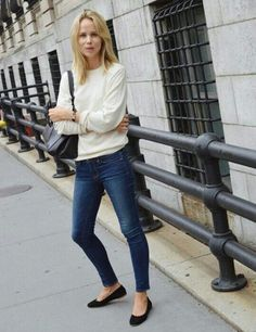 White crew neck + shoulder bag + jeans + ballet flats