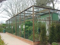 Paultons Park 2008, more garden fencing ideas
