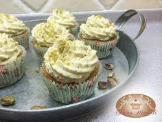 #pistachio #cupcakes #wedding #cake #bakingmoments