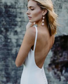 B R I D E // Georgie in French Crepe by @madewithlovebridal available at Melbourne bridal boutique @bluebellbridal_⠀⠀⠀⠀⠀⠀⠀⠀⠀ - both part of the Dress Concierge