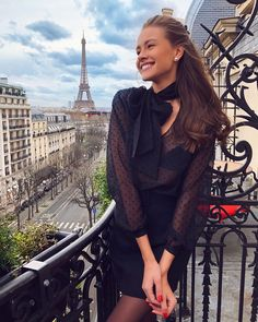 via – All Pictures Spring Summer Fashion, Autumn Winter Fashion, Parisian Style, Mode Inspiration, European Fashion, Fashion Outfits, Womens Fashion, Summer Outfits, Photoshoot