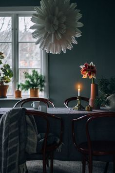 Über-cozy Christmas feeling at find the Christmas light Snöblomma, Terra Cotta pots and premium wool blanket in our Life Store department. Christmas Feeling, Nordic Christmas, Christmas Is Coming, Christmas Home, Christmas Lights, Xmas, Natural Christmas, Hygge, Christmas Interiors