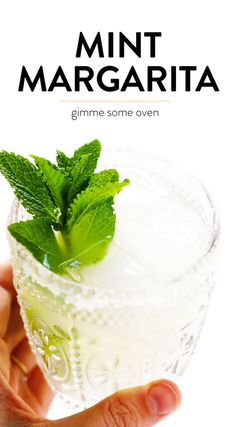 Mint Margarita's without all the sugar. Classic Margarita Recipe, Margarita Recipes, Drink Recipes, Yummy Recipes, Mint Margarita, Margarita Cocktail, How To Make Margaritas, Recipe For Teens, Gimme Some Oven