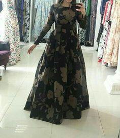 Dawar Siddiqui Long Dress Design, Dress Neck Designs, Saree Blouse Designs, Long Gown Dress, Prom Dresses Long With Sleeves, Indian Gowns Dresses, Pakistani Dresses, Indian Designer Outfits, Designer Dresses