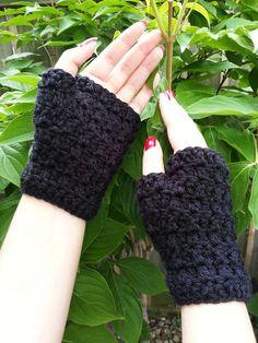 2013 FALL/Winter crochet gloves for girls . Crochet  Fingerless Gloves  #crochet #gloves #fashion #girls  www.loveitsomuch.com