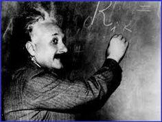 Teoría. es un conjunto de ideas, conocimientos, conceptos etc, que busca predecir, explicar o predecir sucesos.