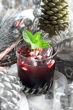 De Menthe Cranberry Cocktail