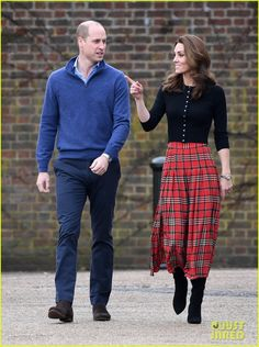 Kate Middleton, Queen Letizia and Princess Mary wow in HELLO!'s Royal Style Watch - Photo 7 Kate Middleton Queen, Kate Middleton Outfits, Kate Middleton Prince William, Kate Middleton Photos, Prince William And Kate, William Kate, British Festival Outfit, Festival Outfits, Duchess Kate