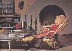 """Bonga Bonga is Lady Penelope's """"ranch"""" in the Australian outback. Turner Classic Movies, Classic Films, Thunderbirds Are Go, 21st Century, Favorite Tv Shows, Futuristic, Science Fiction, Movie Tv, Sci Fi"""