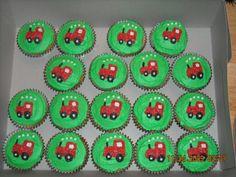 cupcake cake tractor   Tractor Cupcakes   bbackdesign