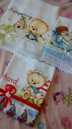 Carla Arte Painting Words, Fabric Painting, Punch Needle Patterns, Girls Quilts, Cute Cartoon, Folk Art, Baby Gifts, Cute Pictures, Decoupage